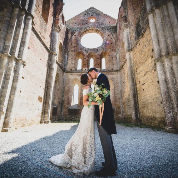 MARIAGE EN TOSCANE, (FERME-AUBERGE O)